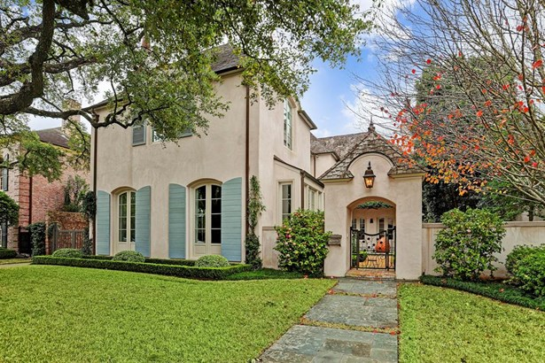 A River Oaks Treasure. This French Provincial 3 Bedroom Residence Exudes Timeless Elegance.