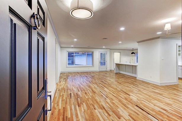 Previously completed home by the same builder for example purposes only. (photo 4)