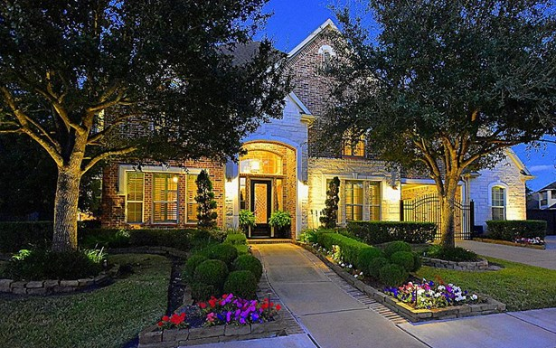 Magnificent Blackhorse Ranch subdivision. 11810 Hallowed Stream is located on the 3rd Green on the South Course of Blackhorse Golf Club. Customized with the Builder for these Sellers - many upgrades! (photo 1)
