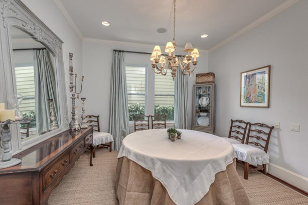 Dining room with ample room for guest. (photo 3)