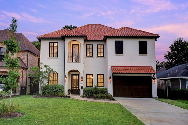 Beautiful Oak Forest home. 4 bedroom home with stunning curb appeal and the most fabulous and flexible floor plan. (photo 1)