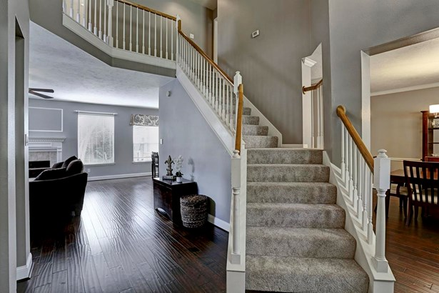 Great two story entry with hardwood floors. (photo 2)