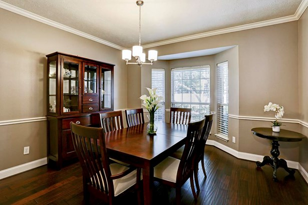 Another view of dining room. (photo 4)