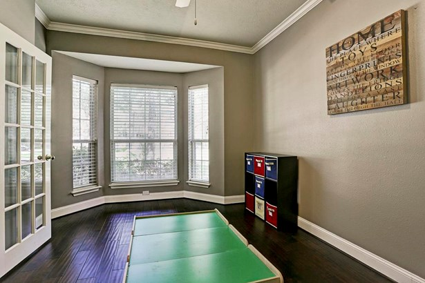 Flex room perfect for study or play room with hardwood floors. (photo 5)