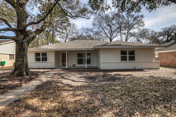 This exceptionally remodeled home in section 1 of Candlelight Plaza offers elegance and charm with all of todays amenities. Home was taken down to the studs and completely re-built from the inside out including all new mechanicals. Construction as of 2/8/ (photo 1)