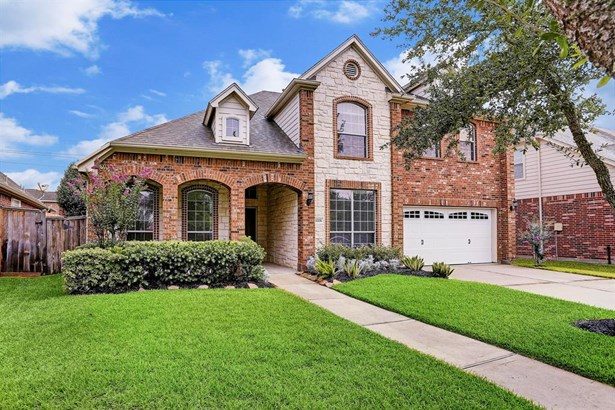 Beautiful 2-Story Home in Coveted Seven Meadows! (Garage Door Replaced 6/15/18)
