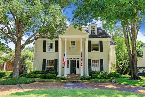 A classic River Oaks colonial home (photo 1)