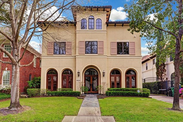A Majestic Mediterranean 3-4 Bedroom Residence Offering Close Proximity To Memorial Park And Convenient Access To Downtown. (photo 1)