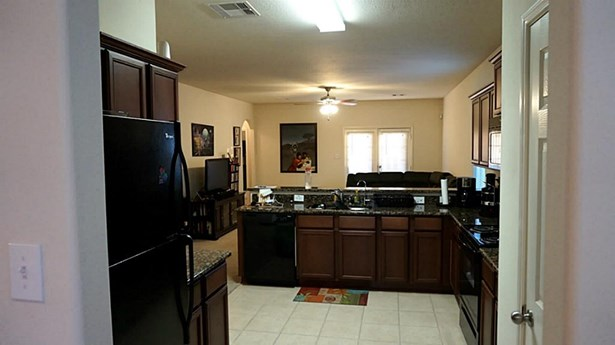 Refrigerator included (photo 4)