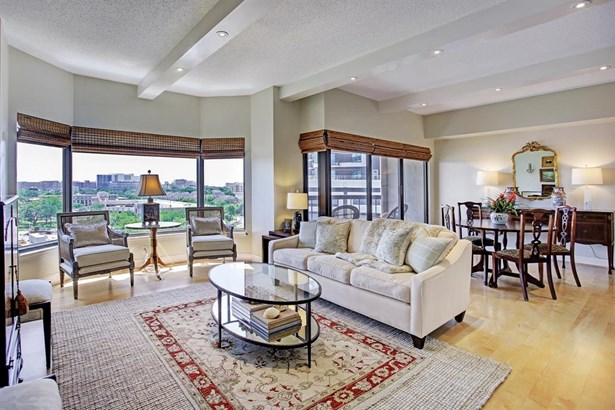 Charming Living Room area with stunning southern views. (photo 1)