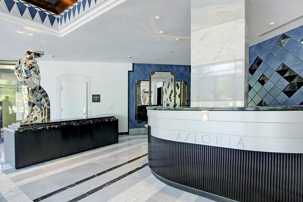 Astoria Lobby (photo 2)
