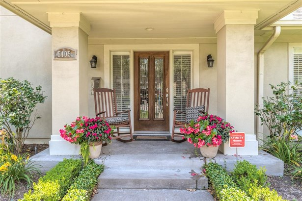 Delightful entrance welcomes your arriving guests! Sizable front porch with large front columns and side lanterns add a touch of nostalgia for that warm feeling of home! (photo 3)