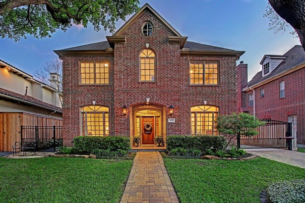 Exceptional traditional Braes Heights home well located on tree lined street with curb appeal! Lot size is 7,805 per HCAD and home is so roomy with 4,474 square feet per HCAD. Great value and price point! (photo 2)