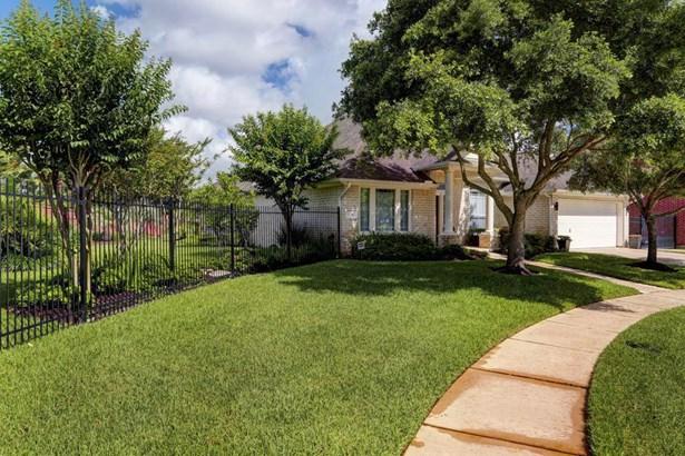 3042 Newbrook Drive, Pearland, TX - USA (photo 2)