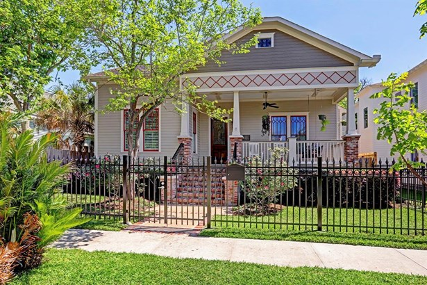 Welcome to 1636 Arlington- Charming craftsman-inspired home in prime Heights location. (photo 1)