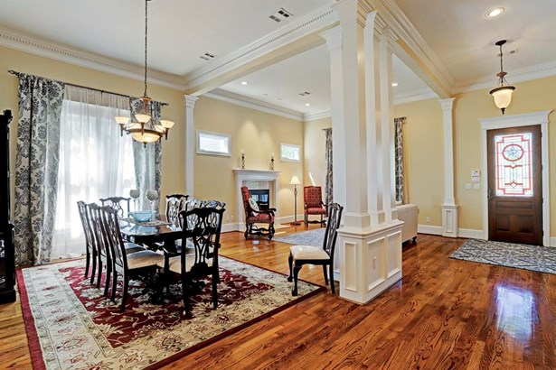 View of dining and living room (photo 4)