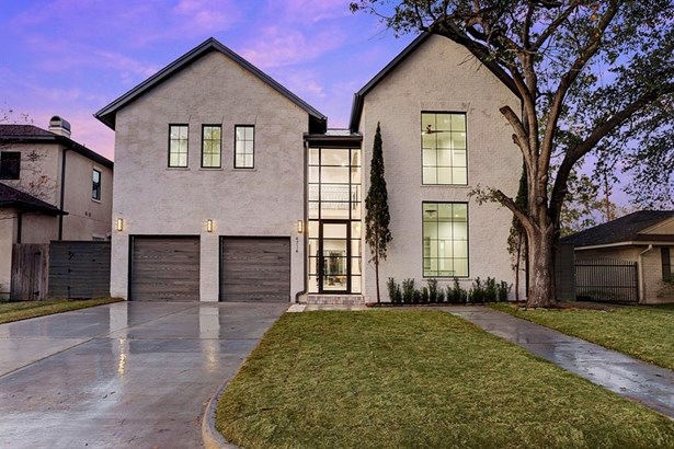 In a premier location in Afton Oaks, you find this newly-constructed by Ashton Gray Development. Flawless in its design, classic European architecture with stylish contemporary designs. Exterior construction consists of antique brick finished in a sleek d (photo 1)