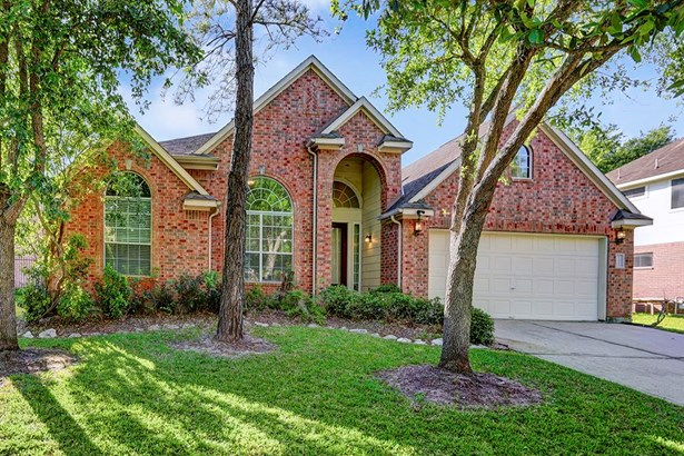 WELCOME TO YOUR NEW HOME! A Beautiful Golf Course Home - one story in the gated section of Stone Gate (photo 1)