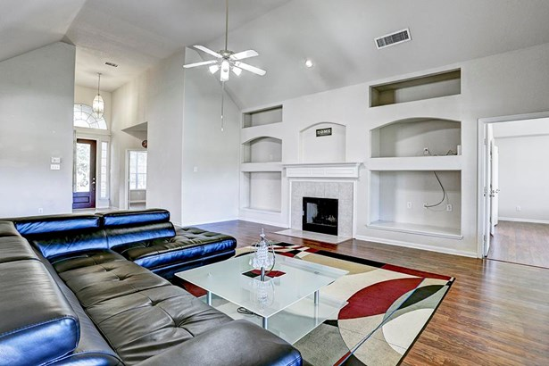 The Great Room (living area) is perfectly planned for entertaining or family time. (photo 4)