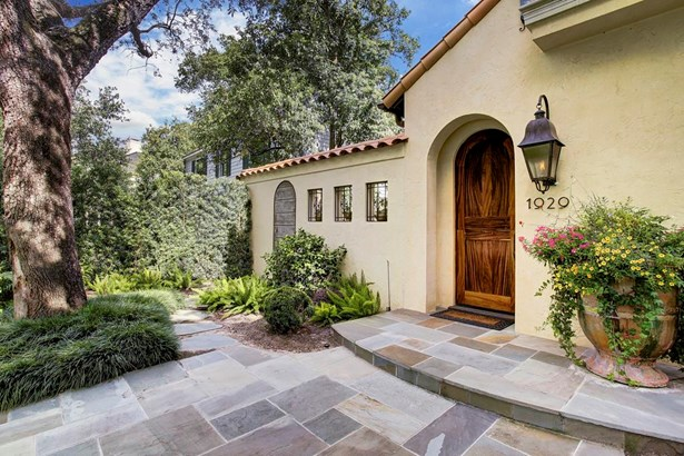 Your Mediterranean style villa awaits you in the heart of River Oaks (photo 3)