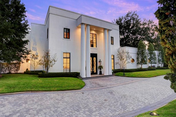 One of three homes in gated enclave (photo 1)