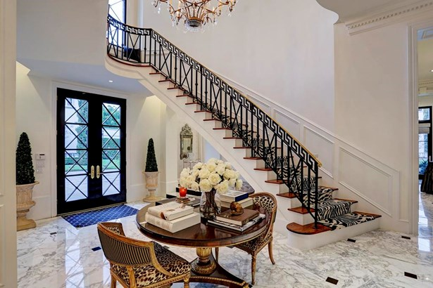 Impressive entry with marble tile flooring (photo 3)
