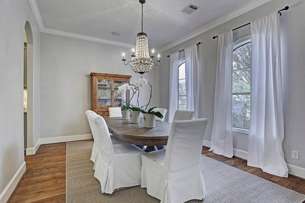 The formal dining room is just off the kitchen with butler s pantry with a wine refrigerator. (photo 4)
