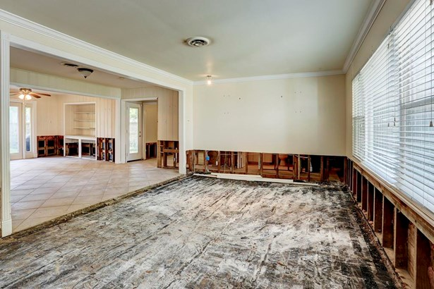 Formal Living Room - Remediated after Harvey. (photo 3)