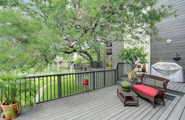 Alternate view of the back patio, boasting plenty of space for entertaining guests, grilling or relaxing outside. (photo 3)