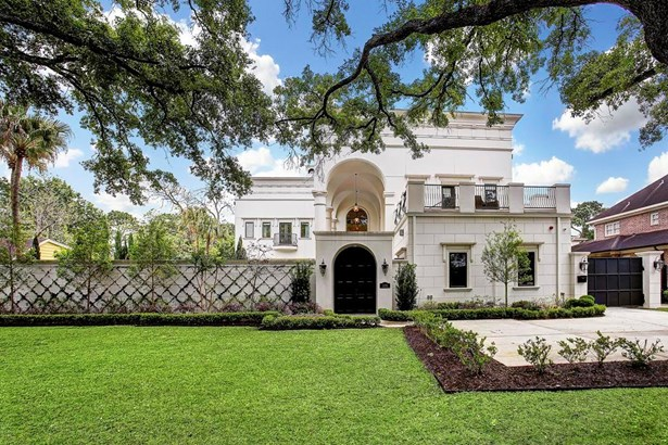 Stunning resort-style, multi-generational home is an entertainer s dream inside + out. (photo 1)