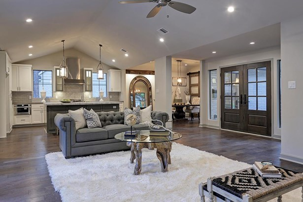 Fabulous great room open to kitchen with vaulted ceiling, recessed LED lighting throughout most of home (photo 5)