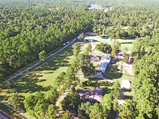 On the right of this photo is the main house, show barn, small barn, arena and pastures (photo 1)