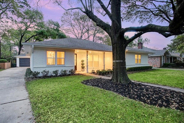 This exceptionally remodeled home in section 1 of Candlelight Plaza offers elegance and charm with all of todays amenities. Home was taken down to the studs and completely re-built from the inside out including all new mechanicals. (photo 3)