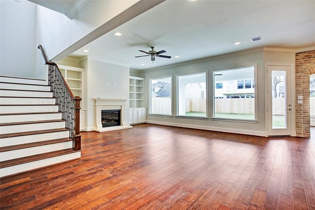 A similar view of what is to be expected at 1502 Pine Chase. Neutral paint colors, timeless selections and ample natural light. Example of builder's previous work. Construction has not yet started. (photo 5)