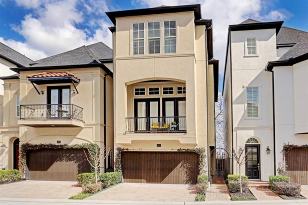 1806 Wrenwood Lakes is a 3 story custom home in gated Upland Lakes. (photo 1)
