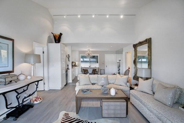 Condo/Townhouse/Duplex/Half Duplex, Contemporary,Two Story - Carbondale, CO
