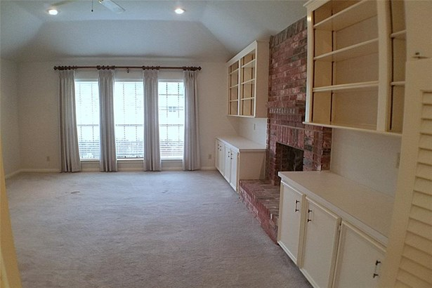 Traditional, Cross Property - Santa Fe, TX (photo 4)