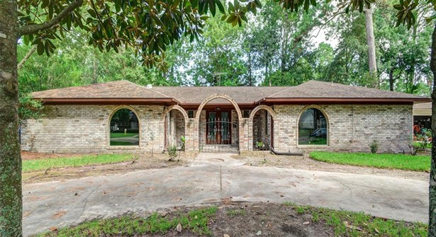 Ranch,Traditional, Cross Property - Dickinson, TX (photo 1)