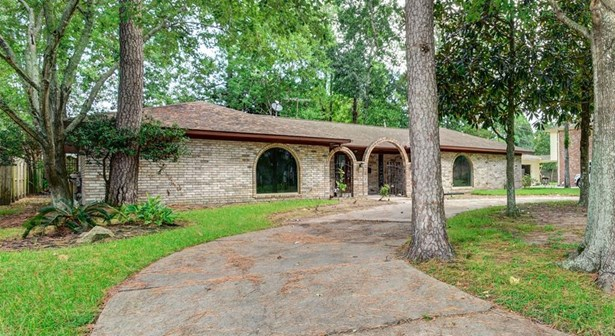 Ranch,Traditional, Cross Property - Dickinson, TX (photo 2)