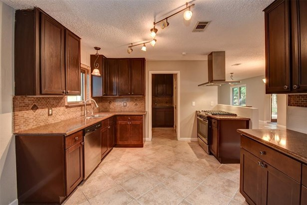 Ranch,Traditional, Cross Property - Dickinson, TX (photo 5)