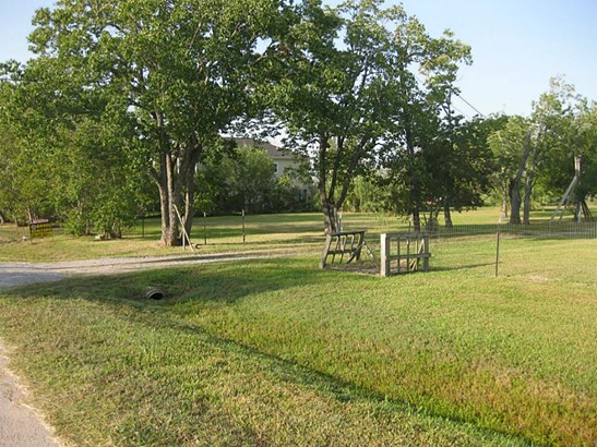 Cross Property - Texas City, TX (photo 1)