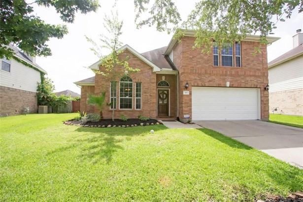 Traditional, Cross Property - Dickinson, TX