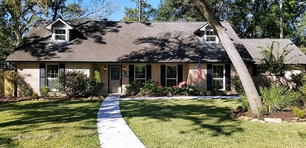 Traditional, Single-Family - Friendswood, TX