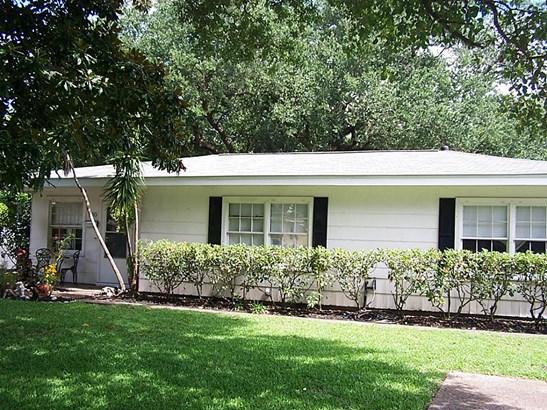 Traditional, Cross Property - Texas City, TX (photo 3)