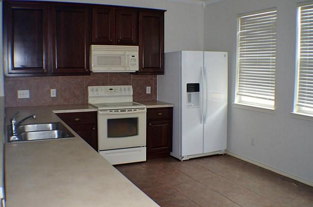Townhouse Condominium, Traditional - Kemah, TX (photo 4)