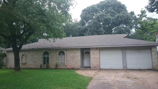 Traditional, Cross Property - Friendswood, TX (photo 1)