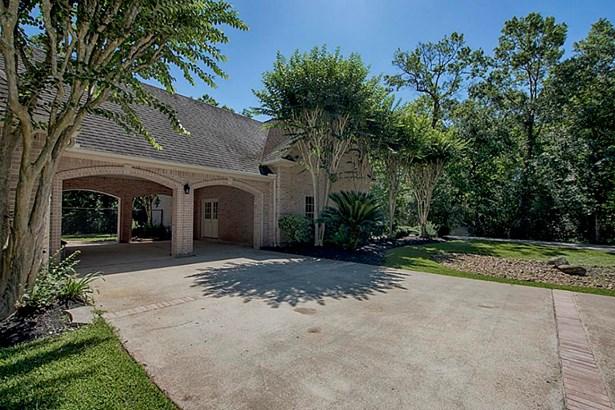 Traditional, Cross Property - Dickinson, TX (photo 3)