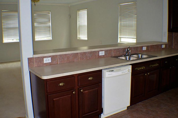 Townhouse, Traditional - Kemah, TX (photo 3)