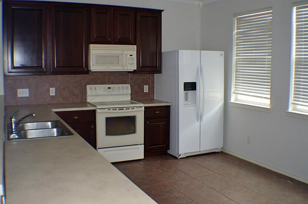 Townhouse, Traditional - Kemah, TX (photo 4)