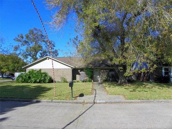 Traditional, Cross Property - Santa Fe, TX (photo 1)